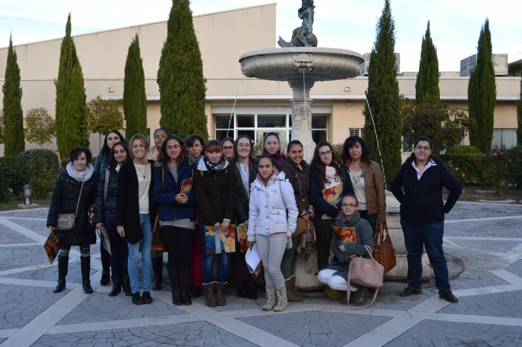 Grupo de alumnas de Administración de la EFA El Llano