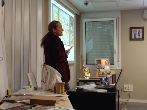 Nuestra Directora durante su ponencia en el CEICID